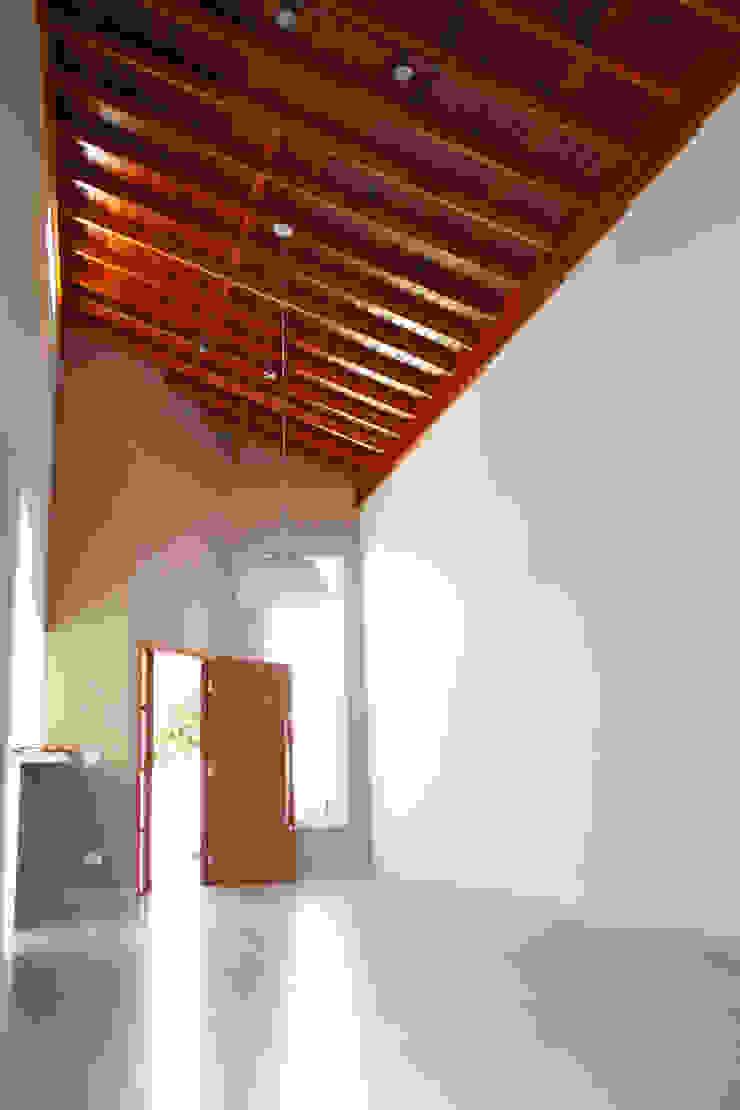 Convívio São Francisco - Márcia e João Casas ecléticas por Ferrari & Simoni Arquitetura Eclético