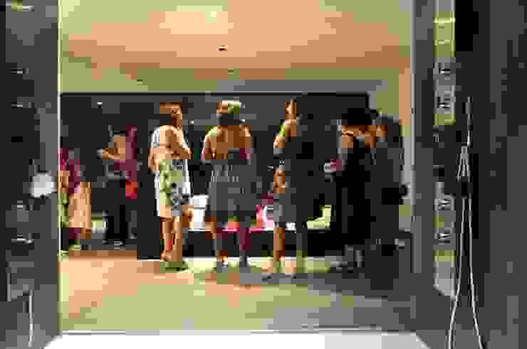Casa Atouguia Casas de banho minimalistas por Escala Absoluta Minimalista