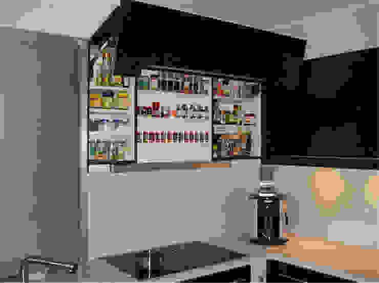 Badezimmer Modern kitchen by creativ-moebelwerkstaetten.de Modern