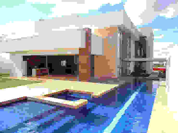 Residência Condomínio Jardins do Lago Albercas modernas de contato140 Moderno