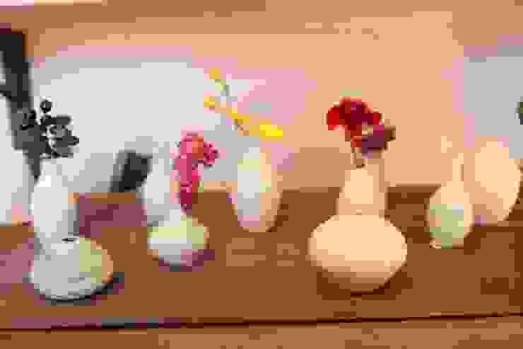 小さな花入 VASE: TOMOHARU NAKAGAWA 中川 智治が手掛けたスカンジナビアです。,北欧