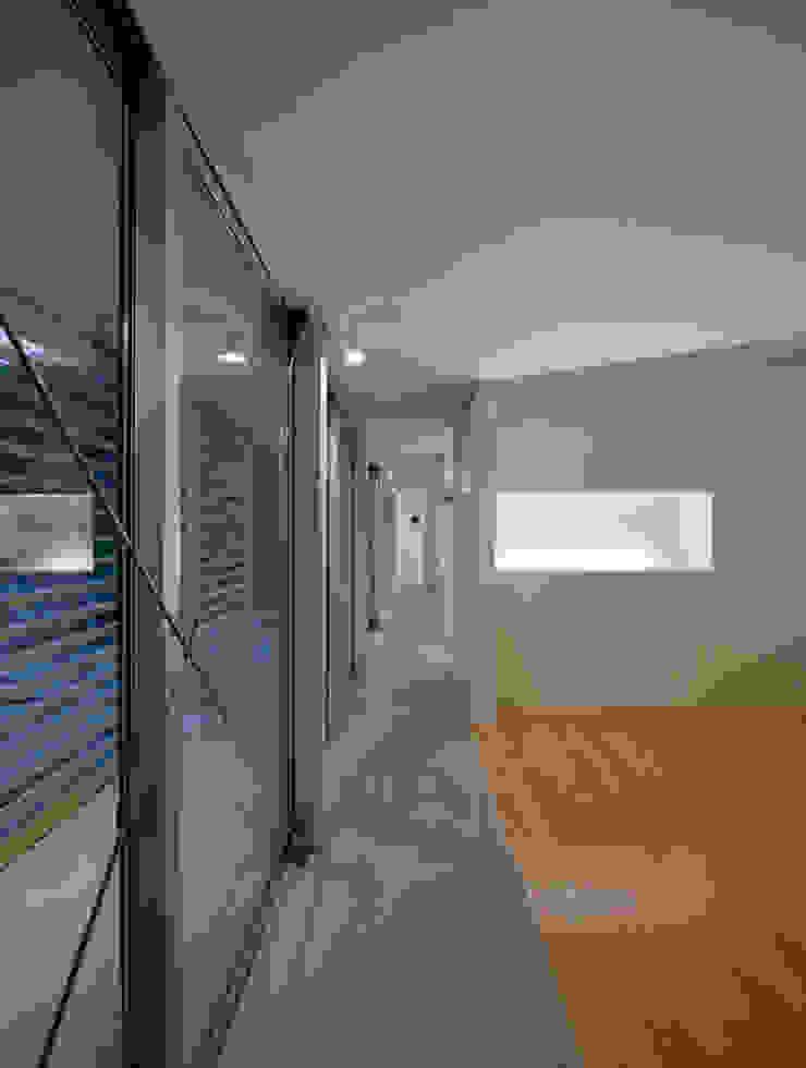 黒髪町の家 モダンスタイルの寝室 の 一級建築士事務所ヒマラヤ(久野啓太郎) モダン