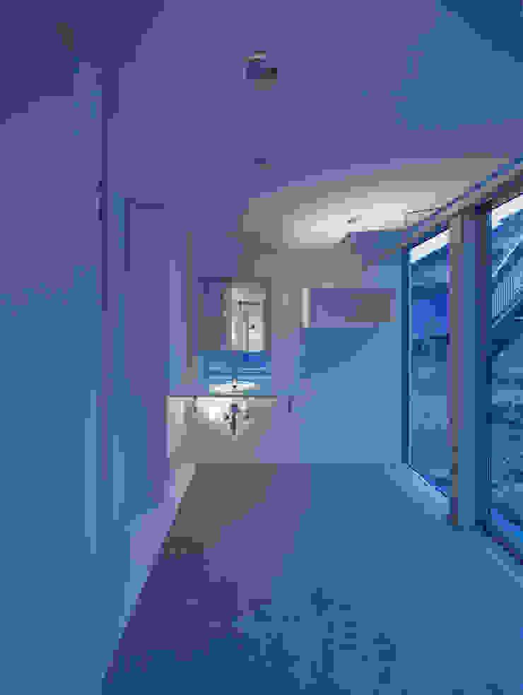 黒髪町の家 モダンスタイルの お風呂 の 一級建築士事務所ヒマラヤ(久野啓太郎) モダン