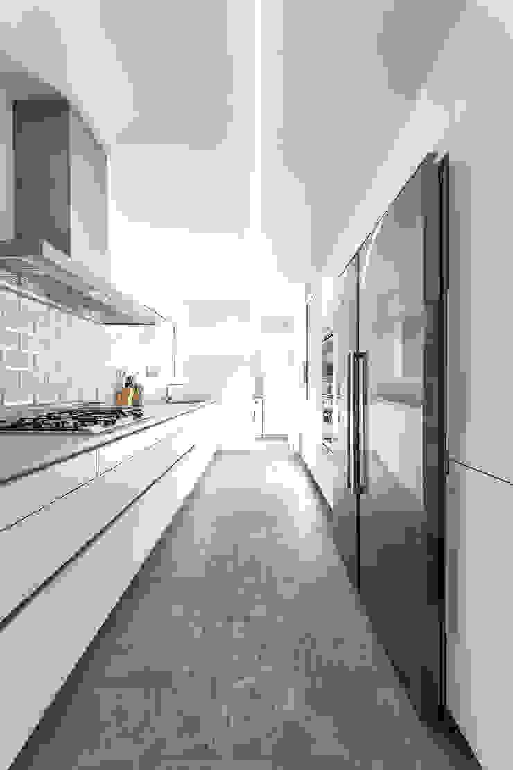 Cozinhas modernas por 08023 Architects Moderno