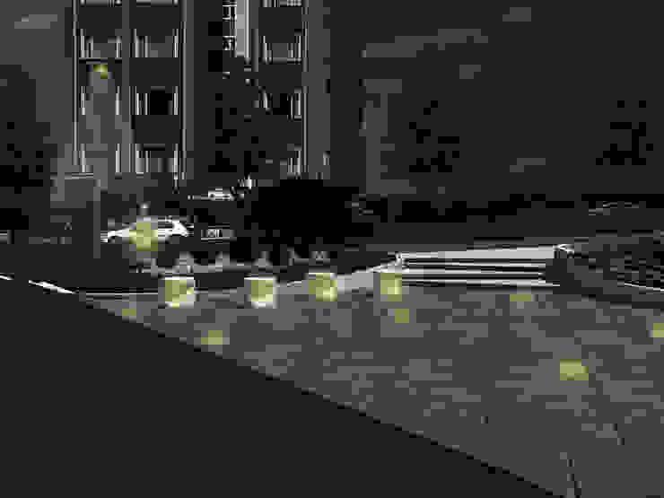 Gece Görünümü Modern Bahçe konseptDE Peyzaj Fidancılık Tic. Ltd. Şti. Modern