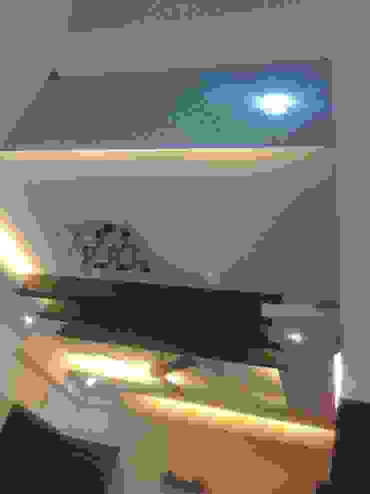 modern  von Alaya D'decor, Modern Holzspanplatte