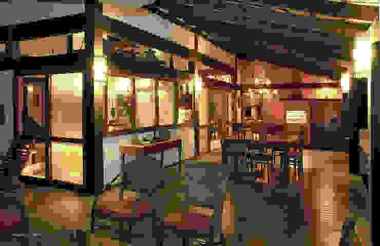 Balcone, Veranda & Terrazza in stile tropicale di Mellani Fotografias Tropicale