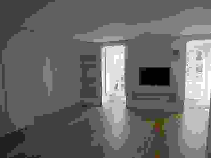 Suite Principal Quartos clássicos por Belgas Constrói Lda Clássico