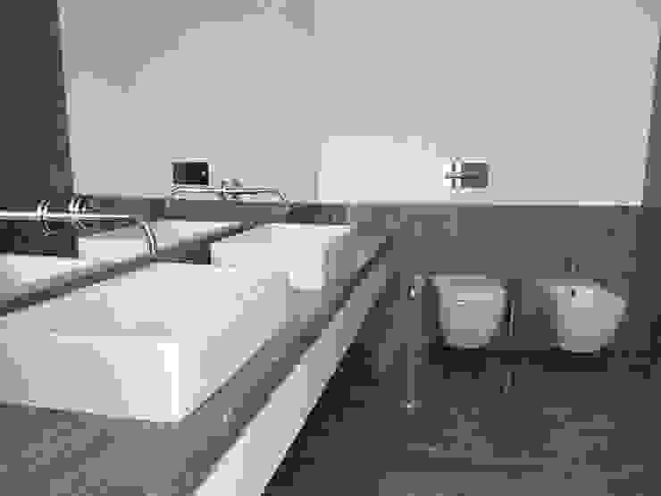 IS Suite Principal Casas de banho clássicas por Belgas Constrói Lda Clássico
