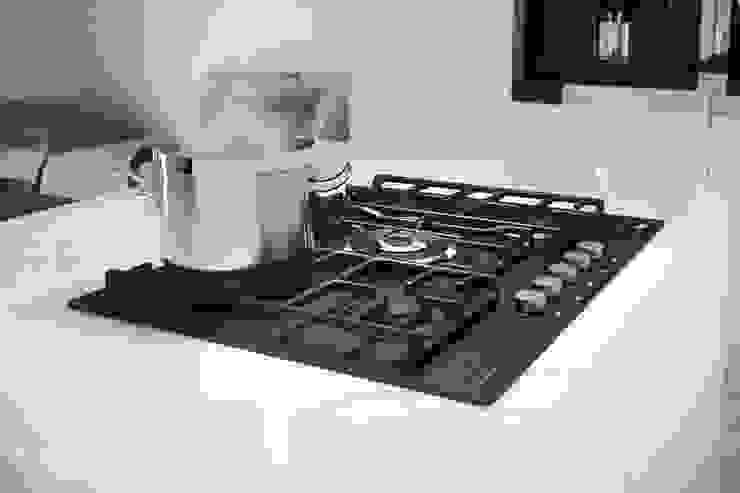 Eclectic kitchen / Kuchnia eklektyczna Eklektyczna kuchnia od Kola Studio Architectural Visualisation Eklektyczny