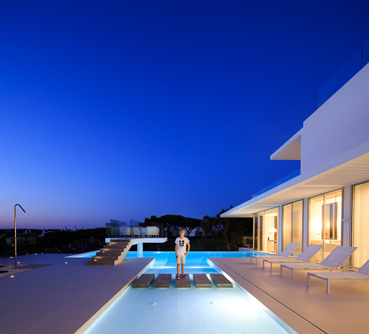 night 3 Piscinas minimalistas por JSH Algarve Arquitectura Lda Minimalista