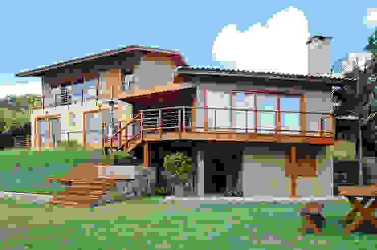 現代房屋設計點子、靈感 & 圖片 根據 Martins Valente Arquitetura e Interiores 現代風