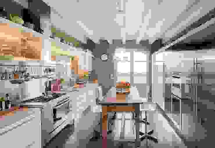 Nhà bếp phong cách hiện đại bởi Studio Maggiore Architettura Hiện đại