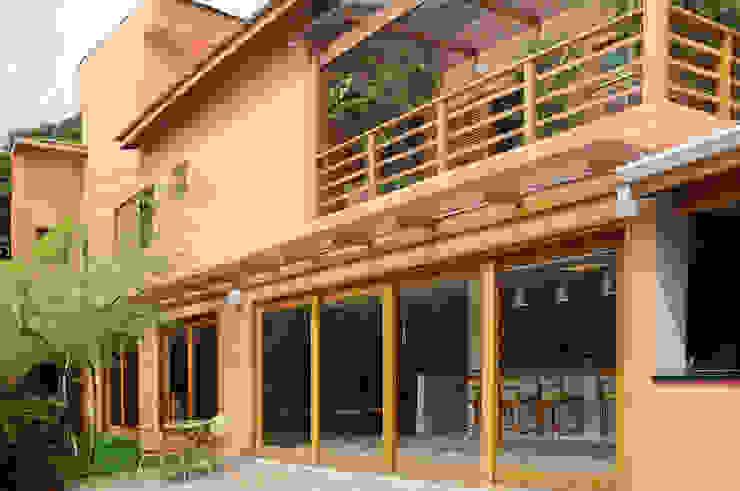 모던스타일 주택 by Martins Valente Arquitetura e Interiores 모던