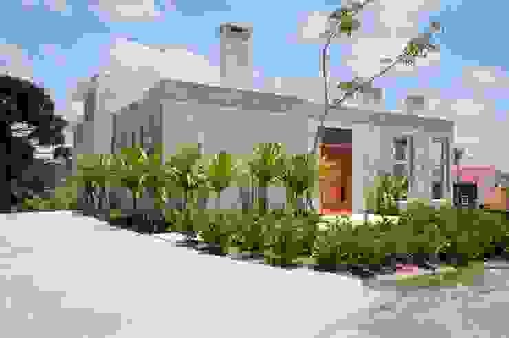 Houses by Martins Valente Arquitetura e Interiores