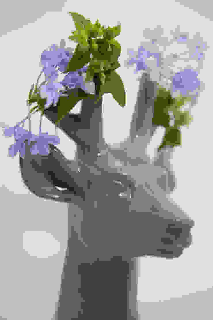 Ciervo Florero de FRIDA ceramica Ecléctico