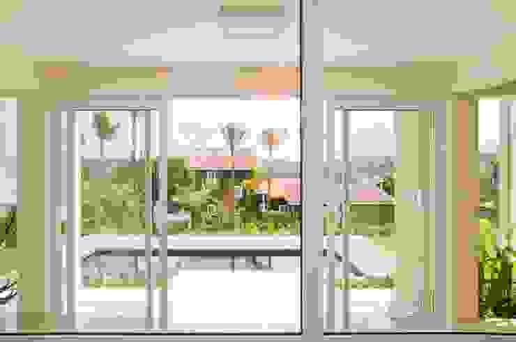 Varandas, marquises e terraços modernos por Martins Valente Arquitetura e Interiores Moderno