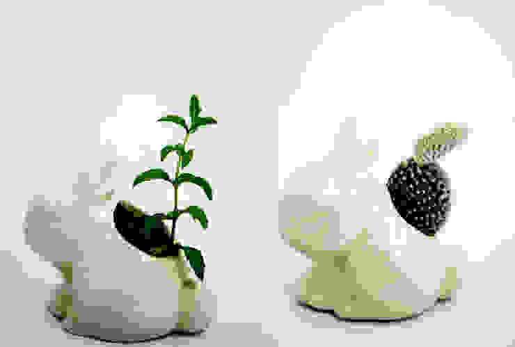 Maceta conejo de FRIDA ceramica Ecléctico