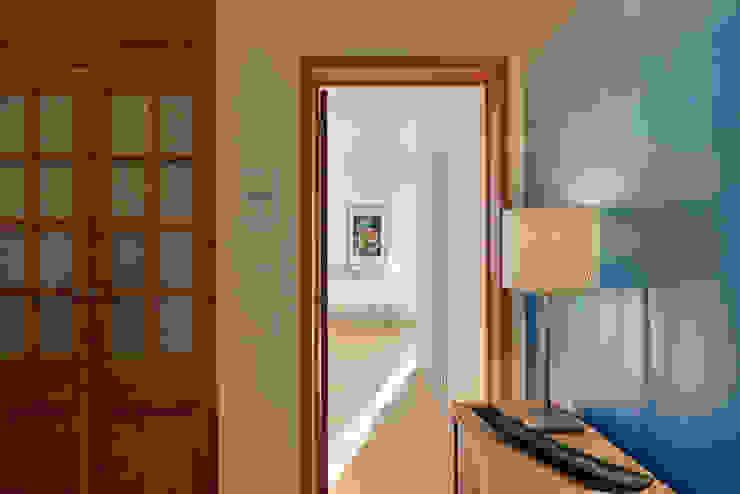 الممر الحديث، المدخل و الدرج من Architect Your Home حداثي