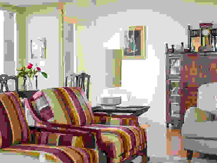 Uma casa com vista Salas de estar modernas por Architect Your Home Moderno