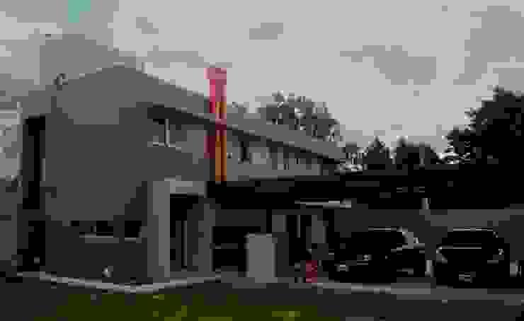 Vivienda DLB – Tejas 2 (proyecto y obra) Casas modernas: Ideas, imágenes y decoración de ANDA arquitectos Moderno