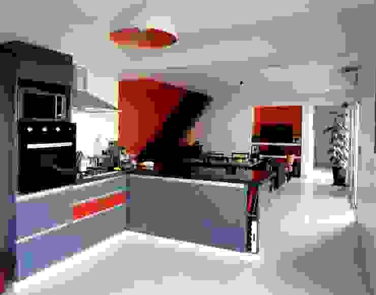 Vivienda DLB - Tejas 2 (proyecto y obra) Cocinas modernas: Ideas, imágenes y decoración de ANDA arquitectos Moderno