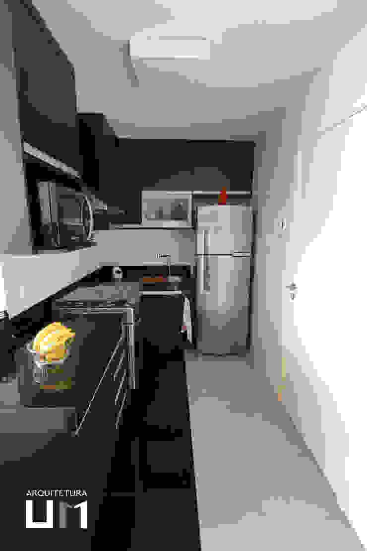 Apartamento DE Cozinhas minimalistas por Arquitetura 1 Minimalista