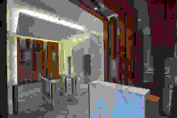 Paseo Castelar Corporativo – Residencial Pasillos, vestíbulos y escaleras modernos de Hansi Arquitectura Moderno