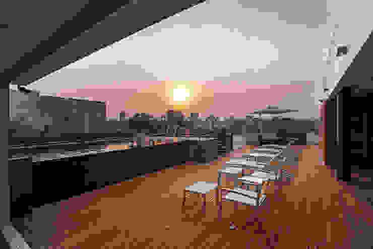 Hansi Arquitectura Modern Terrace