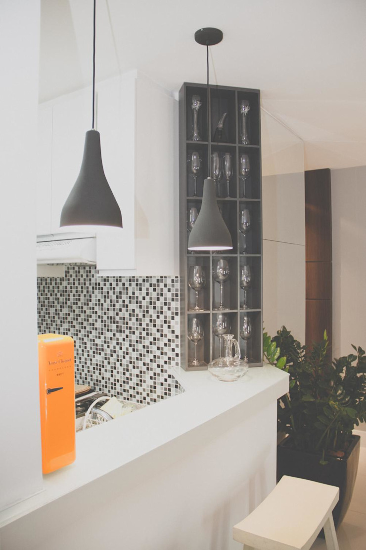FLAT JARDINS Cozinhas clássicas por RC ARQUITETURA Clássico