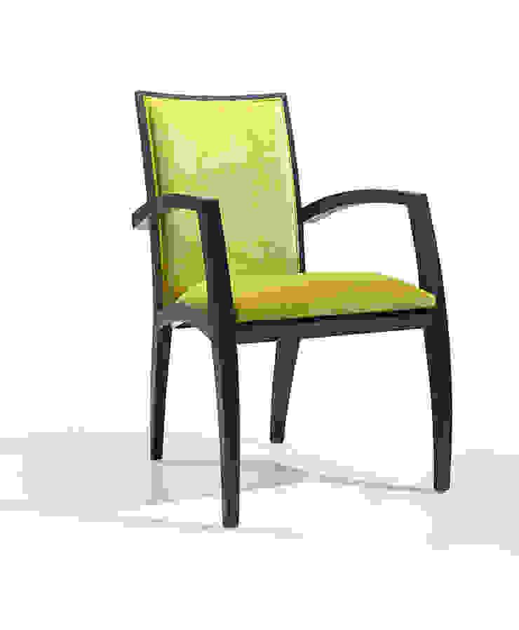 Delia CB Hotéis modernos por Fenabel-The heart of seating Moderno Madeira Acabamento em madeira