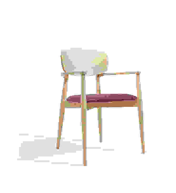 Craft CB Hotéis modernos por Fenabel-The heart of seating Moderno Madeira Acabamento em madeira