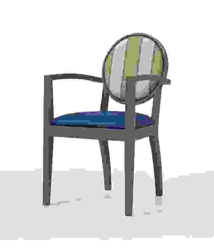 Gloria CB Hotéis modernos por Fenabel-The heart of seating Moderno Madeira Acabamento em madeira