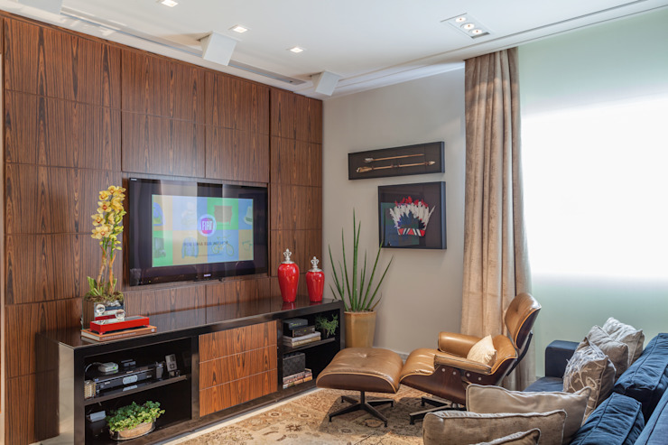 Martins Valente Arquitetura e Interiores Living roomCupboards & sideboards