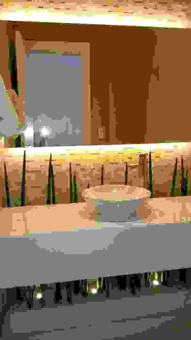 Lavabo Banheiros modernos por L N arquitetos Moderno Pedra Calcária