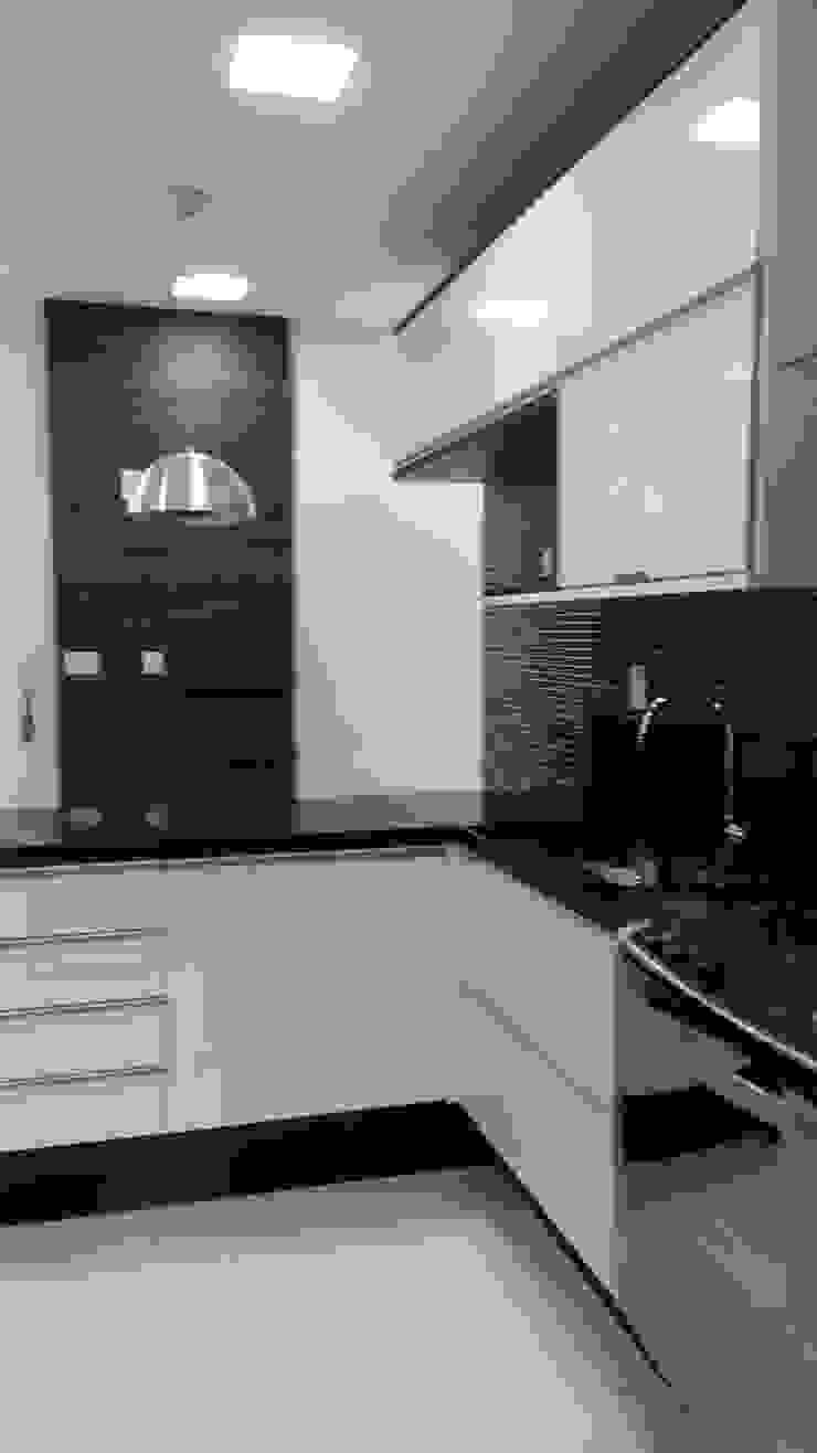 cozinha Cozinhas modernas por L N arquitetos Moderno Madeira Efeito de madeira