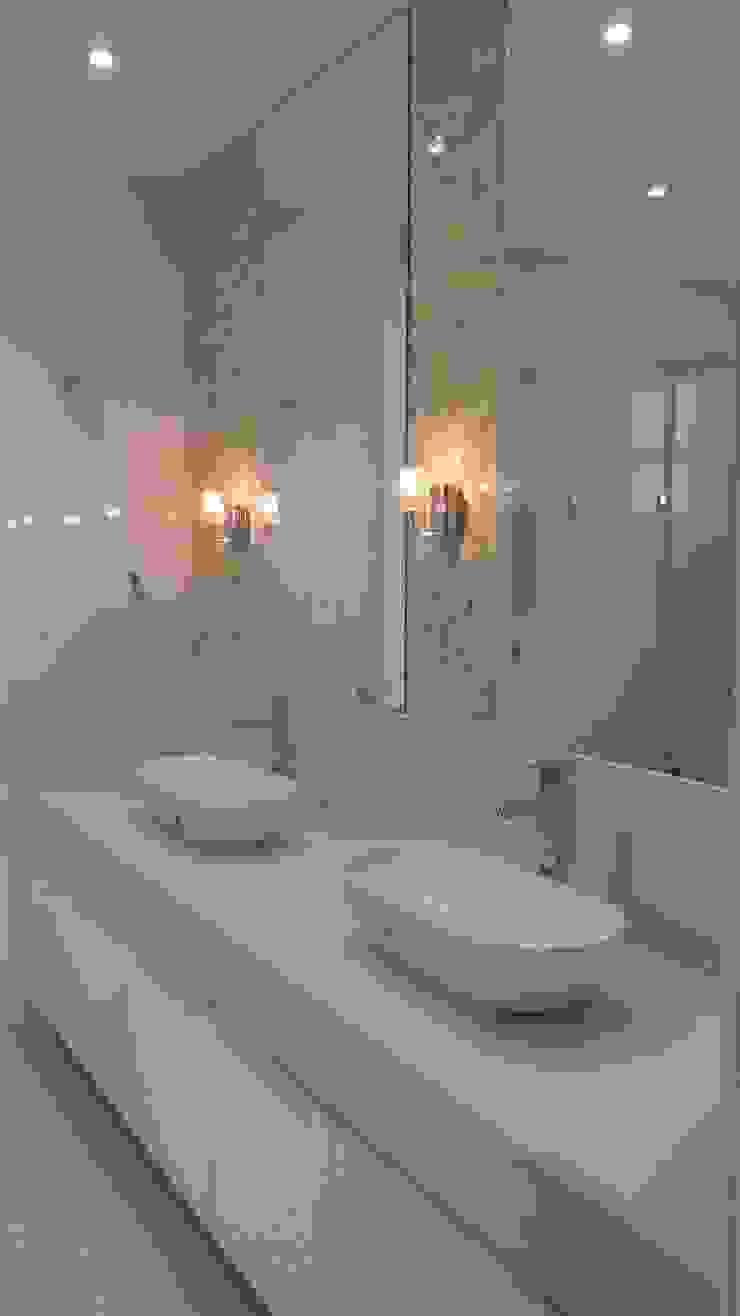 banho suite Banheiros modernos por L N arquitetos Moderno Quartzo
