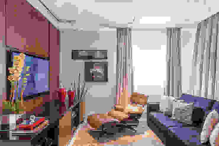 Living room by Martins Valente Arquitetura e Interiores