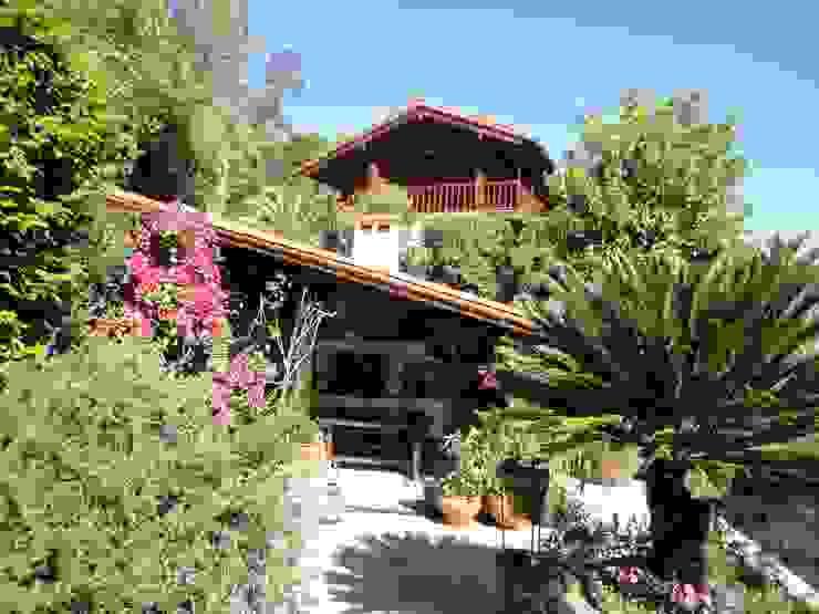 HABITAÇÃO RURAL Casas rústicas por DesignbySoares | Arquitecto Rústico