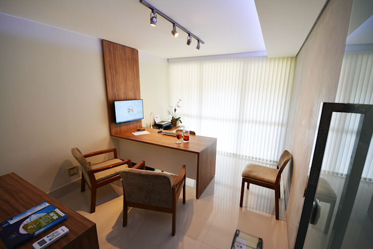 Clinica ZN Escritórios minimalistas por Arquitetura 1 Minimalista Madeira Efeito de madeira