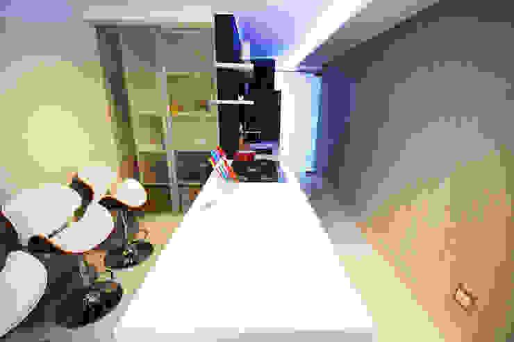 Clinica ZN Cozinhas minimalistas por Arquitetura 1 Minimalista Cerâmica