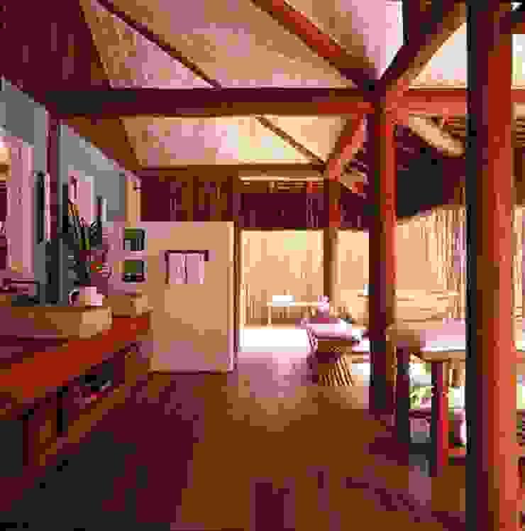 Casa Trancoso Banheiros rústicos por Toninho Noronha Arquitetura Rústico
