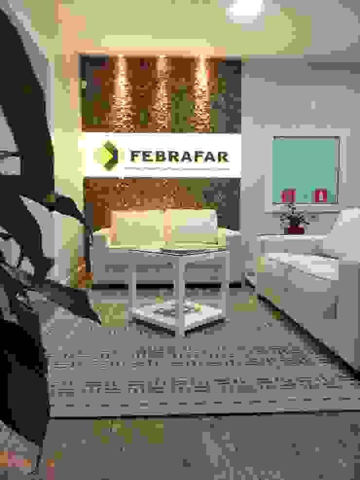 Espaces de bureaux minimalistes par É! Arquitetura e Design Minimaliste Bois Effet bois