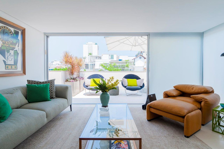Cobertura Ipanema Varandas, alpendres e terraços modernos por Toninho Noronha Arquitetura Moderno