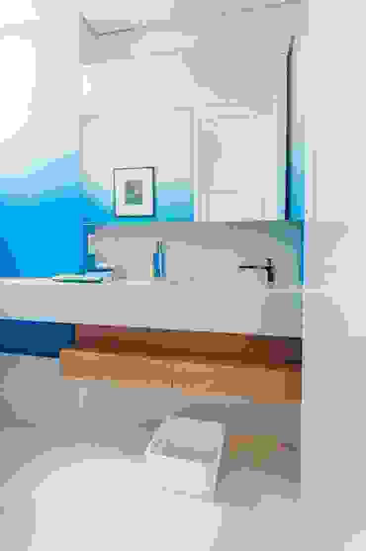 Cobertura Ipanema Banheiros modernos por Toninho Noronha Arquitetura Moderno