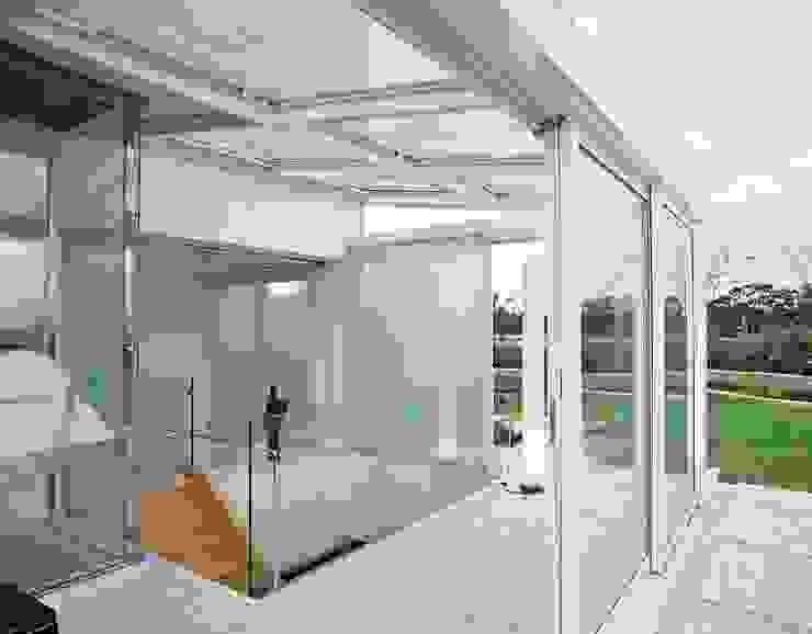 Toninho Noronha Arquitetura Balkon, Beranda & Teras Modern