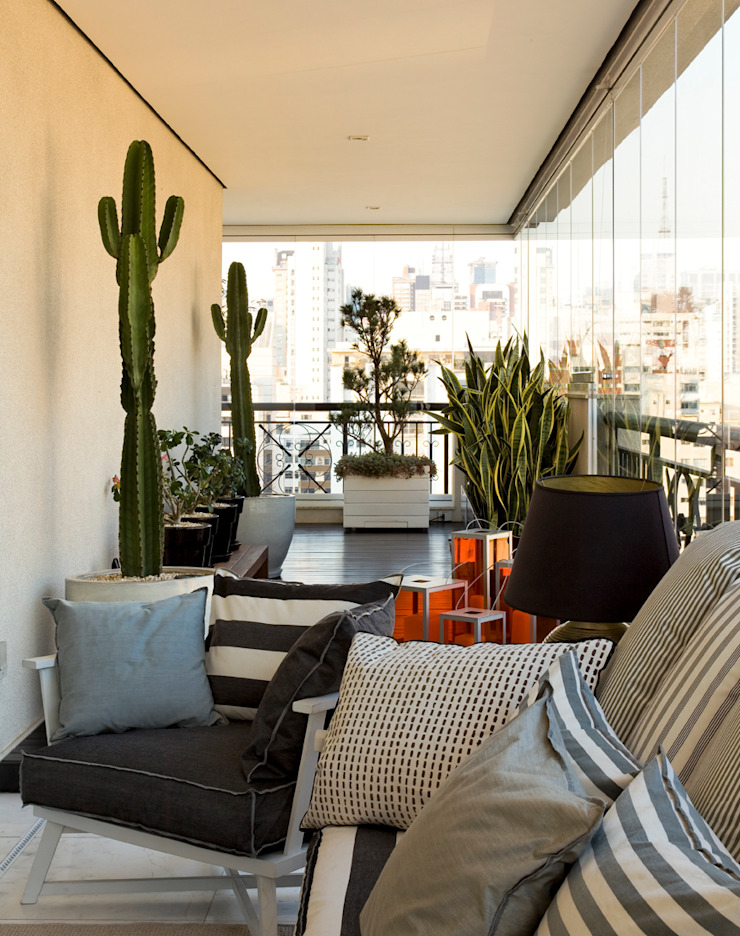 apartamento jardins Varandas, alpendres e terraços modernos por Toninho Noronha Arquitetura Moderno