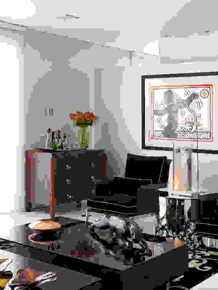 apartamento jardins Salas de estar modernas por Toninho Noronha Arquitetura Moderno