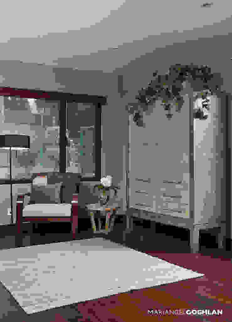Modern style bedroom by MARIANGEL COGHLAN Modern