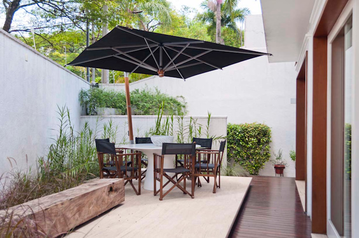 Casa Cidade Jardim Varandas, alpendres e terraços modernos por Toninho Noronha Arquitetura Moderno